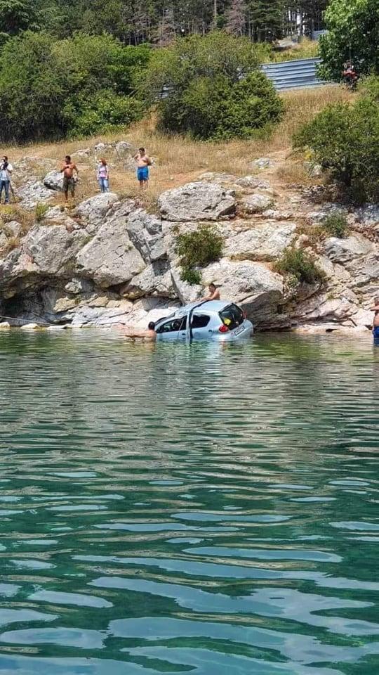 kola padnata vo ohridsko ezero